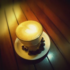 Photo taken at Koffie Opa by Hendra A. on 12/19/2012