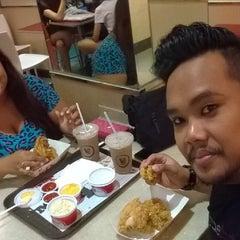 Photo taken at KFC by DoriKin S. on 5/2/2014