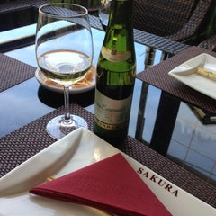 Photo taken at Restaurante Japonés Sakura VII by Vika I. on 5/6/2013