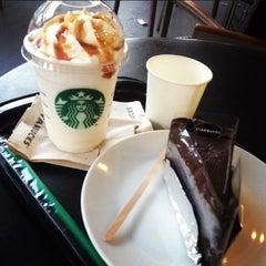 Photo taken at Starbucks (สตาร์บัคส์) by La on 1/12/2013