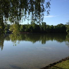 Photo taken at Kleinhesseloher See by Holger K. on 5/15/2013