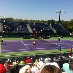 Photo taken at Grandstand Court - Sony Ericsson Open by Jairo S. on 3/26/2014
