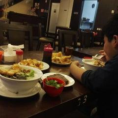 Photo taken at Hong Sin Restaurant by Fariyana A. on 3/28/2015