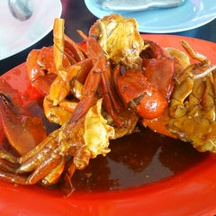 Photo taken at Dandito Seafood | Restaurant by Tomy D. on 7/7/2013