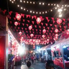 Photo taken at เทศกาลไชน่าทาวน์เมืองเชียงใหม่ by Wissly J. on 1/30/2014