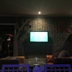 Photo taken at เพ้อ (Per Pub & Restaurant) by Akerath A. on 8/29/2015