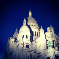 Photo taken at Basilique du Sacré-Cœur de Montmartre by Semee Y. on 3/20/2013