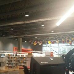 Photo taken at KCLS Renton Library by Toni E. on 1/17/2016
