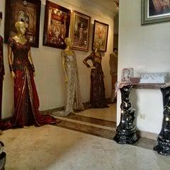 Photo taken at Rumah Kebaya by Chyta A. on 9/20/2014