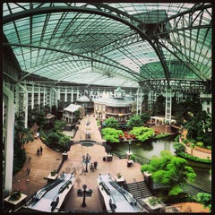 Photo taken at Gaylord Opryland Resort and Convention Center by MARIO P. on 5/22/2013