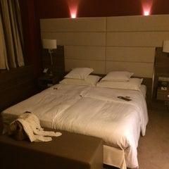 Photo taken at Sheraton Frankfurt Congress Hotel by Tobias F. on 7/24/2014