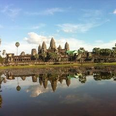 Photo taken at Angkor Wat Temple (អង្គរវត្ត) by Gerardo P. on 11/26/2012