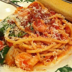 Photo taken at Olive Garden by Patrick S. on 11/12/2012