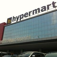 Photo taken at hypermart by Agung Budi Raharsa on 10/27/2012