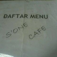 Photo taken at Manajemen Cafe - Sentra Bisnis by Darma F. on 9/17/2012