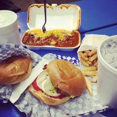 Photo taken at Scott's Burger Shack by Joseph C. on 11/15/2014