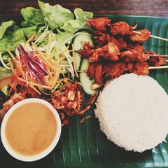 Photo taken at Zenhouse Yum Cha Restaurant by Amir A. on 5/9/2013