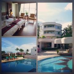 Photo taken at Chaba Samui Resort by Alexander B. on 9/29/2014