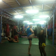 Photo taken at Nikhom Muay Thai Virapol GYM by Muji B. on 7/31/2013