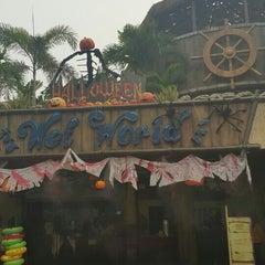 Photo taken at Wet World Shah Alam by Nrsyahirah on 10/18/2015