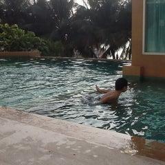 Photo taken at โรงแรมนานาชาติบางแสน by Supawadee J. on 12/31/2013