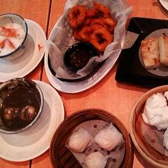Photo taken at Xin Wang Hong Kong Café 新旺香港茶餐厅 by Lee Sandy on 7/2/2014