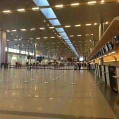 Photo taken at Aeropuerto Internacional El Dorado (BOG) by Fernando F. on 7/10/2013