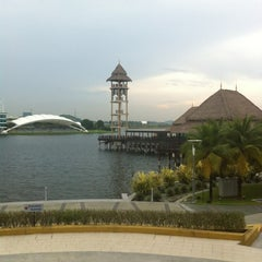 Photo taken at Pullman Putrajaya Lakeside by i.shahrir on 4/18/2012