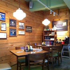 Photo taken at 樂子 The Diner by Wing W. on 6/30/2012