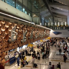 Photo taken at Indira Gandhi International Airport (DEL) by Aiko on 8/28/2012