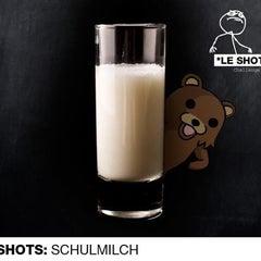 Das Foto wurde bei Le Shot Bar von Timna S. am 6/2/2012 aufgenommen