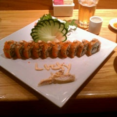 Photo taken at Sushi 'n Thai by Jamie H. on 5/3/2012