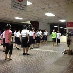 Photo taken at อาคารโภชนาการ ม.หัวเฉียวฯ by Bank B. on 8/27/2012
