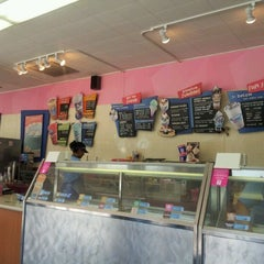 Photo taken at Baskin-Robbins by Robert M. on 4/15/2012