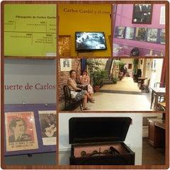 Photo taken at Museo Casa Carlos Gardel by Maria De Fátima B. on 1/15/2016