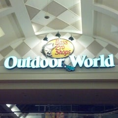 Photo taken at Bass Pro Shops by Cort on 11/25/2012