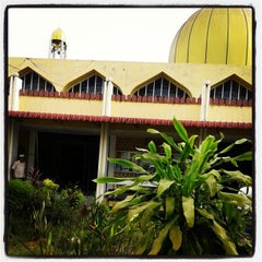 Photo taken at Masjid Taiping by Hafidzul a. on 6/8/2014