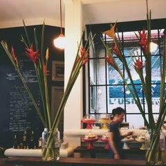 Photo taken at L'USINE: Et la Cafeteria de L'Usine by Vu P. on 7/24/2013