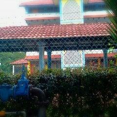 Photo taken at Sekolah Agama Bandar Seri Alam by Ian Y. on 3/28/2013