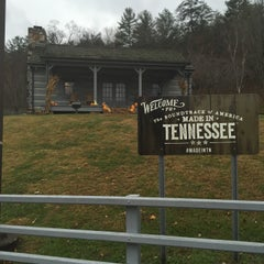 Photo taken at Tennessee Welcome Center — I-40 WB by MD B. on 11/22/2015