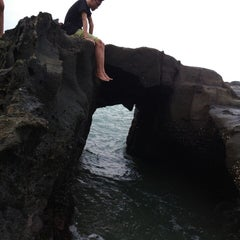 Photo taken at Pantai Pelabuhan Ratu by Khaerul F. on 4/28/2013