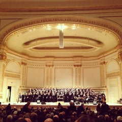 Photo taken at Carnegie Hall (Stern Auditorium/Perelman Stage) by May L. on 2/19/2013