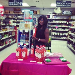 Photo taken at Lake Liquor Fine Wine & Liquor by John W. on 7/12/2013
