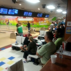 Photo taken at Let It Roll Bowl by Rebecca H. on 11/2/2014