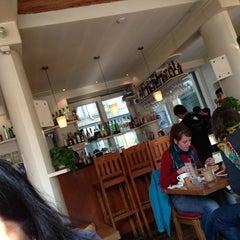 Photo taken at 葡萄院儿 Vineyard Cafe by simyee on 1/26/2013