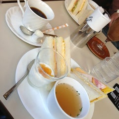 Photo taken at 喫茶室ルノアール 神田北口駅前店 by HTesta 0. on 1/12/2013