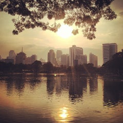 Photo taken at สวนลุมพินี (Lumphini Park) by Kayvon T. on 12/26/2012