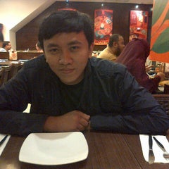 Photo taken at Pizza Hut by Anita F. on 11/17/2013