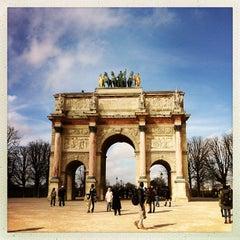Photo taken at Arc de Triomphe du Carrousel by Michelle A. on 5/9/2013