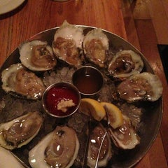 Photo taken at Hank's Oyster Bar by Henry L. on 3/13/2013